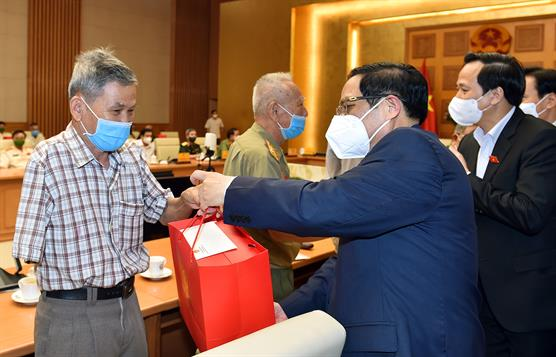 Thủ tướng Phạm Minh Chính gặp mặt Đoàn đại biểu người có công với cách mạng, thân nhân liệt sĩ tiêu biểu